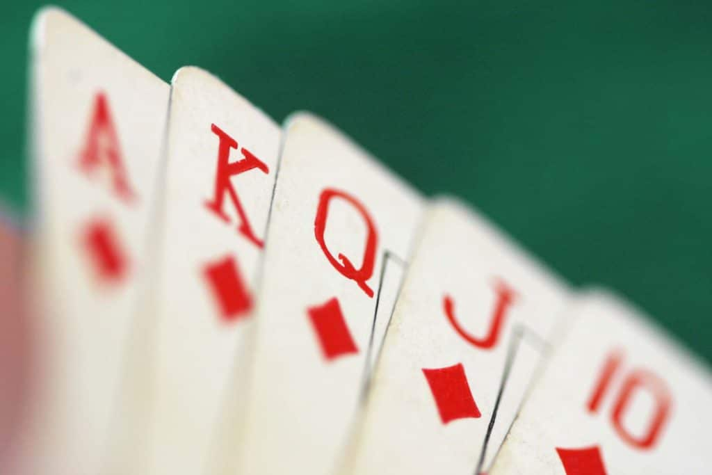 mieux jouer au poker grâce à l'auto-hypnose